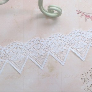 Banner Lace - 1yd
