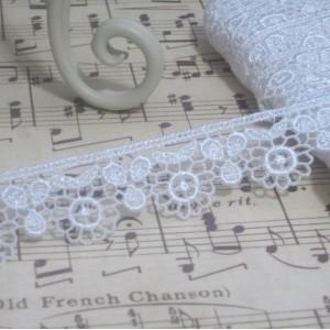 White Floral Venise Lace - 1yd