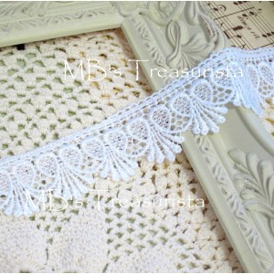 Loop Heart Drip Venise Lace - 1yd